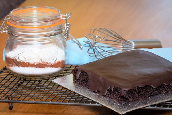 The ingredients in a Jar and the baked cake